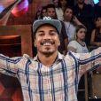 Vencedor de 'A Fazenda 8', Douglas Sampaio foi acusado de ter agredido Rayanne Morais, mas negou o fato e foi defendido pelo seu assessor