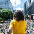 Regina Duarte discursa em protesto contra a corrupção e a favor da Operação Lava-Jato, em São Paulo