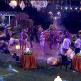'BBB 14': com poucos minutos na Festa Anos 20, Valdirene (Tatá Werneck) dança animada na pista
