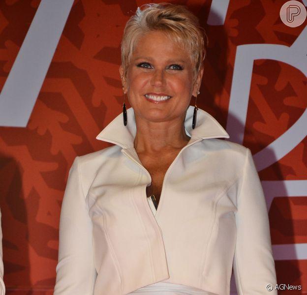 No lugar do 'TV Xuxa', Globo vai colocar filmes para preencher grade de sábado; programa da Xuxa vai sair do ar durante tratamento de doença no pé da artista