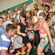 Monique Alfradique e Geovanna Tominaga participam de ensaio da Grande Rio, em Duque de Caxias, no Rio, em 23 de janeiro de 2014