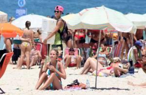 Yasmin Brunet mostra corpo em forma, em dia de praia no Rio de Janeiro