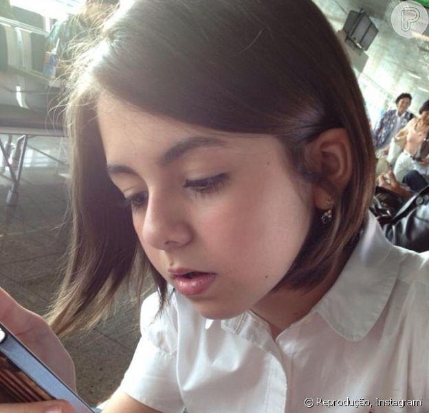 Klara Castanho muda o visual e publica foto no Instagram, em 5 de fevereiro de 2013