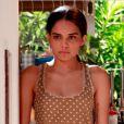 Gorete (Carol Macedo) morre atropelada na terceira fase da novela 'Em Família'