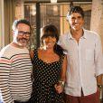 Depois de ser expulso de casa por Juliana (Vanessa Gerbelli), Fernando (Leonardo Medeiros) pede para ir morar com Clara (Giovanna Antonelli) e Cadu (Reynaldo Gianecchini), na novela 'Em Família'