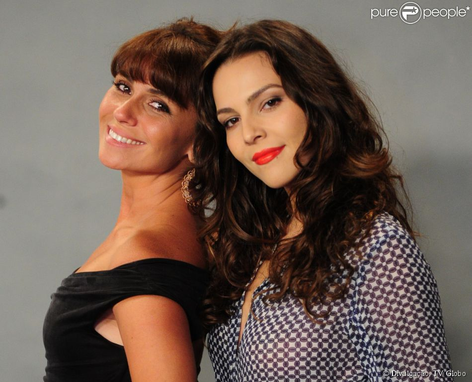 Marina (Tainá Müller) se encantou por Clara (Giovanna Antonelli) à primeira vista e vai investir nesse relacionamento. Segundo a colunista Regina Rito, do jornal 'O Dia', no capítulo de 'Em Família' que vai ao ar dia 28 de fevereiro, Marina convida Clara para ir de helicóptero até Angra dos Reis