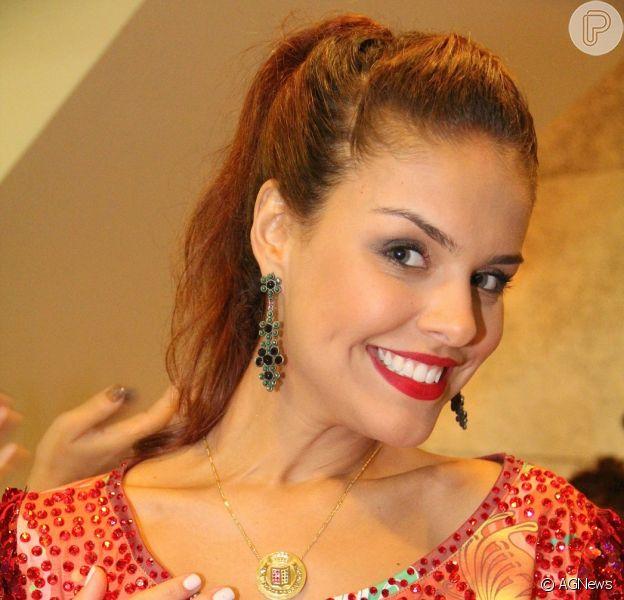 Paloma Bernardi deu pistas sobre a sua fantasia de musa da Grande Rio no Carnaval da Sapucaí: 'Apimentada'