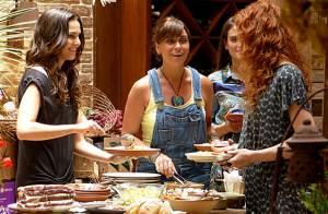 'Em Família': Marina sugere que Clara pose nua ao lado do marido, Cadu