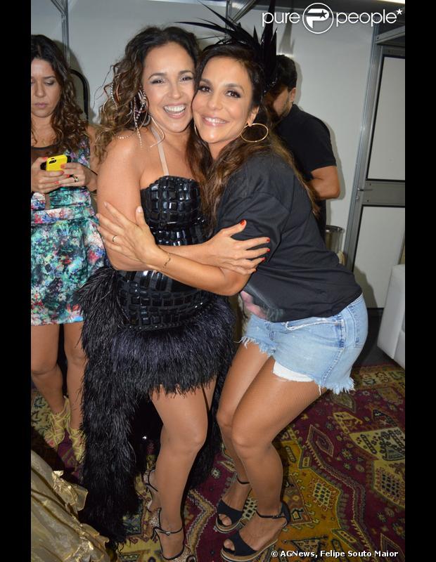 Ivete Sangalo e Daniela Mercury cantaram juntas em um evento em Salvador na noite desta sexta-feira (21 de fevereiro de 2014)