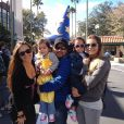 Luciano Camargo está de férias na Disney com a mulher, Flávia, e as filhas gêmeas Helena e Isabella