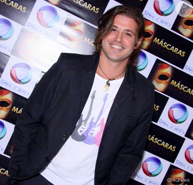 Dado Dolabella vai ser o protagonista da novela 'Vitória', da TV Record. A informação é do colunista Flávio Ricco (24 de fevereiro de 2014)