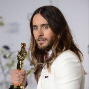 Jared Leto quebra sua estatueta do Oscar ao cair de escada