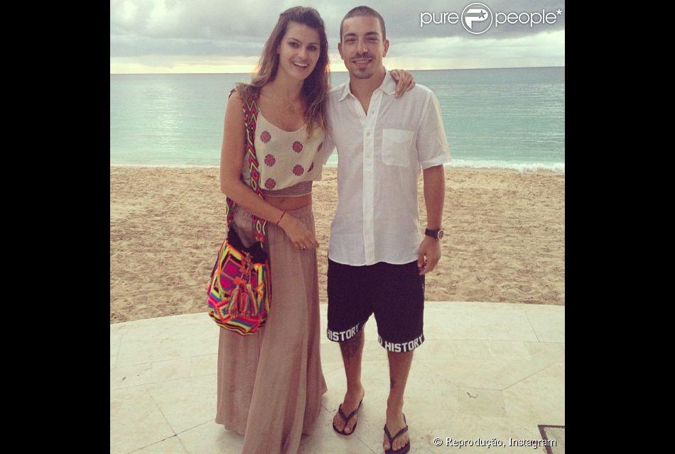 Isabeli Fontana e Di Ferrero curtem viagem romântica no Caribe