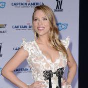 Scarlett Johansson aparece pela primeira vez após gravidez se tornar pública
