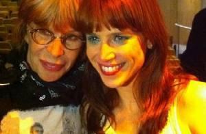 Mel Lisboa, que vive Rita Lee no teatro, chora em encontro com roqueira