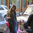 Suri Cruise, filha de Tom Cruise e Katie Holmes, completa 8 anos nesta sexta-feira, 18 de abril de 2014