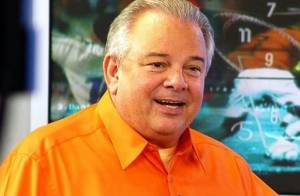 Morre, aos 66 anos, o narrador esportivo Luciano do Valle