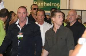 Arnold Schwarzenegger mostra simpatia ao lado de fãs em evento no Rio de Janeiro