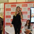 Flávia Alessandra elegeu a calça jeans como sua peça favorita