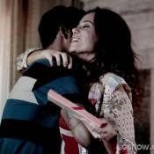 'Em Família': Jairo usa presente de Nando e dá para Juliana como se fosse seu