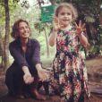 Camila Pitanga ensina a filha a ter contato com a natureza desde pequena