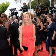 Laurence Ferrari aposta em vestido vermelho para a première do filme 'Saint Laurent' no Festival de Cannes 2014