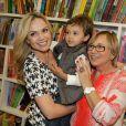"""Eliana levou o filho Arthur, de 2 anos, e sua mãe, Eva, no lançamento do livro """"Almanaque Ciência em Show"""", escrito pelos cientistas de um quadro em seu programa"""