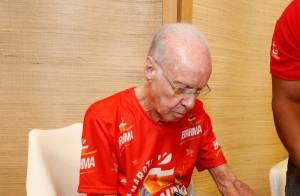 Zagallo é internado com infecção na coluna vertebral após sentir fortes dores