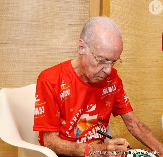 Mário Zagallo foi internado nesta segunda-feira, 26 de maio de 2014, no Hospital Barra D'or, com uma infecção na coluna vertebral