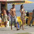 Malvino Salvador vai a praia do Rio acompanhado da namorada, Sophie Charlotte, em junho de 2012