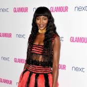 Naomi Campbell chama atenção com look Alexander McQueen em premiação de revista