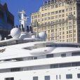 Iate Topaz pertence ao sheik  Mansour bin Zayed bin Sultan Al Nahyan, dono do Manchester City. Embarcação de mais de R$ 1 bilhão  tem oito andares, três piscinas e dois helipontos