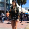 Paula Fernandes curte os últimos dias de férias em Miami, nos Estados Unidos, e posta foto de microshort no Twitter, em 4 de fevereiro de 2013