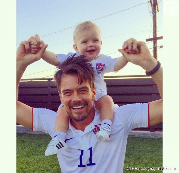 Filho de Fergie e Josh Duhamel, Axl esbanja fofura em clima de Copa do Mundo