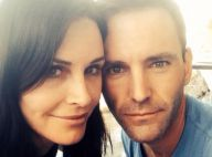 Courteney Cox está noiva de Johnny McDaid, integrante da banda Snow Patrol