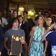 Gisele Bündchen deixa o hotel em Copacabana e segue para o Maracanã, onde participará da cerimônia de encerramento da Copa do Mundo (13 de julho de 2014)