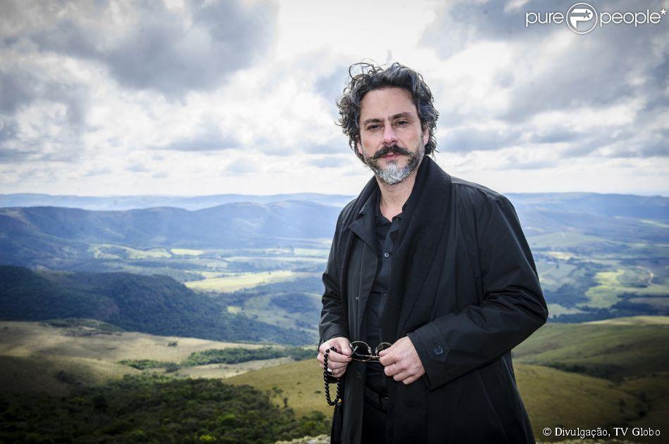 Alexandre Nero vive o protagonista José Alfredo de Medeiros, o Comendador, na segunda fase de 'Império'