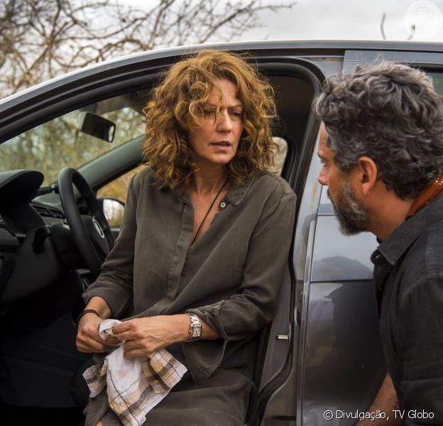 Cássia (Patricia Pillar) mostra a Pedro (Alexandre Nero) o que conseguiu na investigação no capítulo de quarta-feira, 20 de junho de 2018 da supersérie 'Onde Nascem os Fortes'