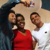Marcelo e Thiago Silva se divertem em gravação de programa na TV após Copa