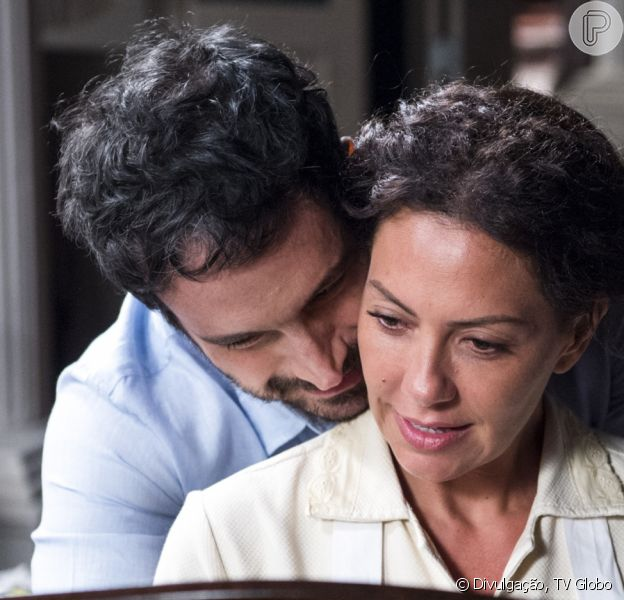 Cacau e Edgar (Caco Ciocler) devem ter recaída na novela 'Segundo Sol', acredita Fabiula Nascimento ao Purepeople: 'Quero mais é que role para o bicho pegar fogo'