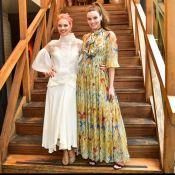 Leveza fashion! Camila Queiroz e Laura Neiva usam looks fluidos em evento. Fotos