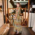 Camila Queiroz posa no lançamento da revista 'Vogue Noivas' em São Paulo