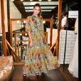 Camila Queiroz usou um vestido Dolce & Gabbana com estampa floral