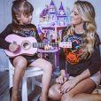 Rafaella Justus cantando e encantando a mamãe Ticiane Pinheiro