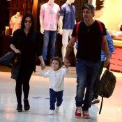 Alexandre Nero e Karen Brusttolin, grávida, viajam com filho, Noá. Fotos!