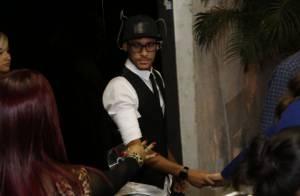 Neymar é atacado por fã após último capítulo de 'Em Família' com Marquezine