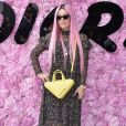 Lily Allen prestigiou o desfile da coleção primavera/verão 2019 masculina da Dior, durante a Paris Fashion Week, neste sábado, 23 de junho de 2018