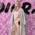 Kate Moss prestigiou o desfile da coleção primavera/verão 2019 masculina da Dior, durante a Paris Fashion Week, neste sábado, 23 de junho de 2018