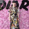 Kozue Akimoto prestigiou o desfile da coleção primavera/verão 2019 masculina da Dior, durante a Paris Fashion Week, neste sábado, 23 de junho de 2018