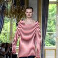 O visual street de luxo é a cara do estilista da Balmain, Olivier Rousteing